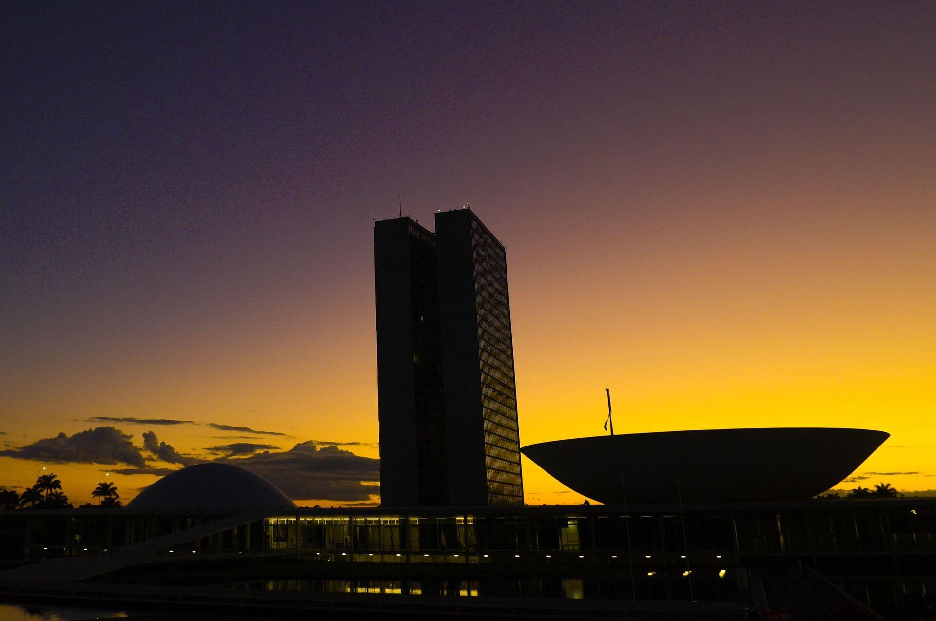 Fachada do Congresso Nacional, a sede das duas Casas do Poder Legislativo brasileiro.   Obra do arquiteto Oscar Niemeyer.    Foto: Pedro França/Agência Senado