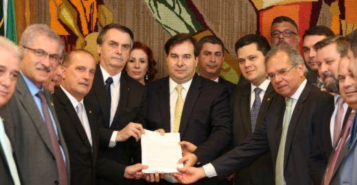 Folha: Bolsonaro impõe sigilo a informações sobre a Previdência