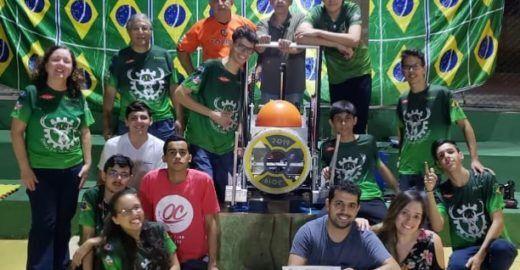 Alunos de escolas públicas representam o Brasil nos EUA