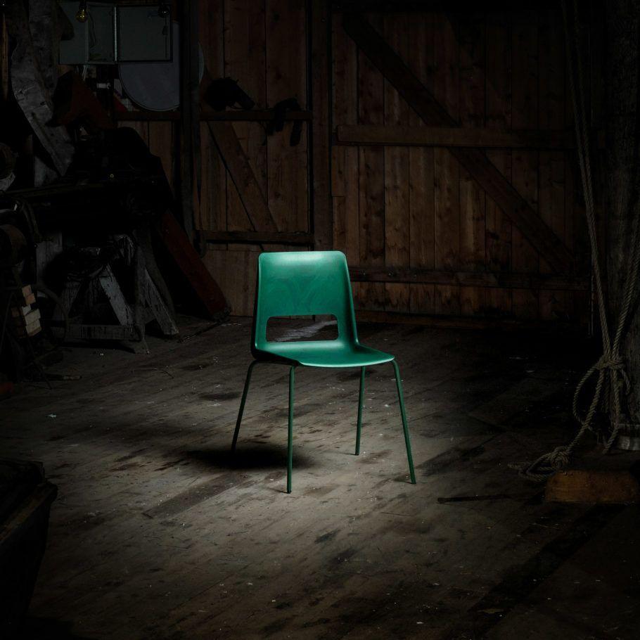 A cadeira de rede de pesca é feita de resíduos de empresas do norte da Noruega