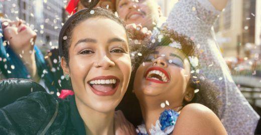 Uma ajuda a outra: como acolher outras mulheres no Carnaval