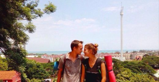 Conheça o casal russo que viaja o mundo sem dinheiro