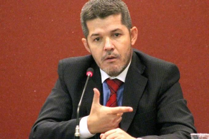 Delegado Waldir