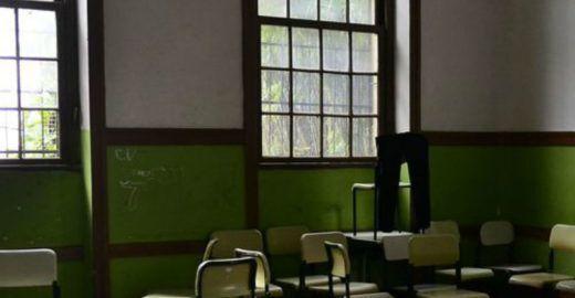 Estudante ataca professor por causa de janela fechada