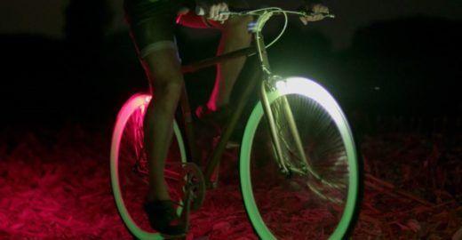 Sistema de iluminação para bicicleta dispensa cabos e baterias