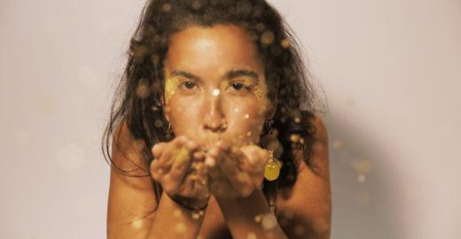 Como fazer glitter ecológico para brilhar neste Carnaval