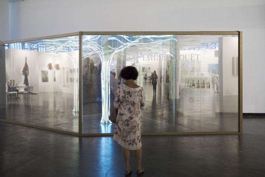 Instalação da Perrier-Jouët na SP-Arte 2018