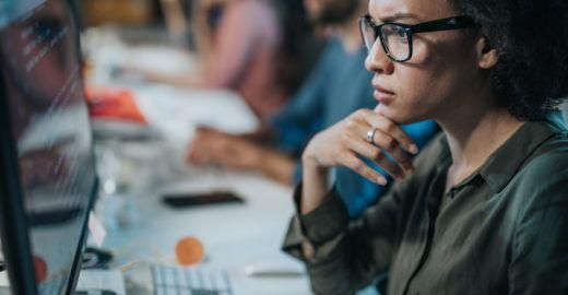 Empresa dos EUA lança programa para recrutar mulheres em TI