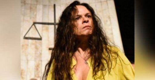 Filho de Bolsonaro ironiza pedido de Janaína Paschoal