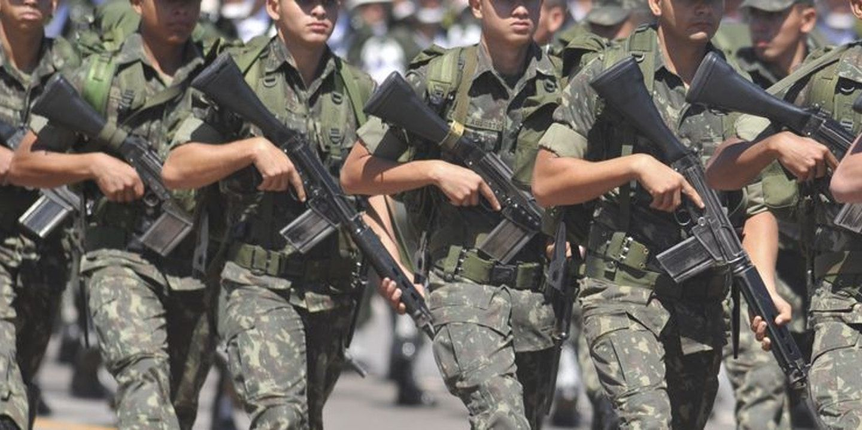 militares do exercito