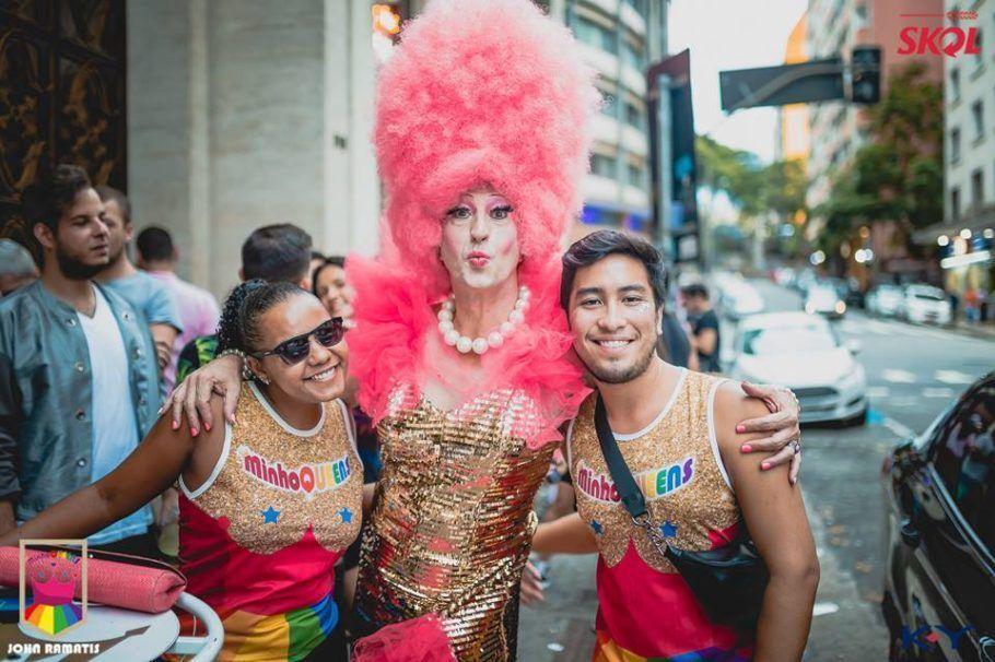 Um dos maiores blocos LGBT, o MinhoQueens leva seu repertório de divas para a Virada Cultural