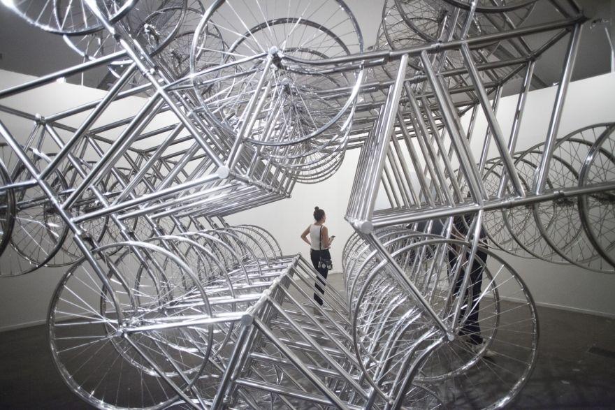 Obra assinada por Ai Weiwei na alemã Neugerriemschneider uma das mais fotografadas da SP-Arte 2018