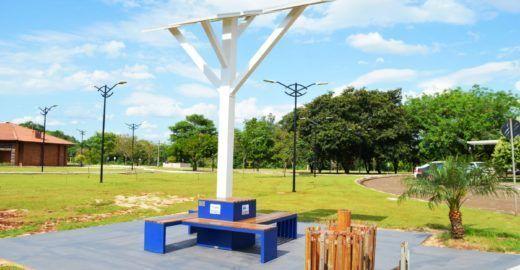 Projeto Árvore Digital usa energia solar para conectar cidadãos