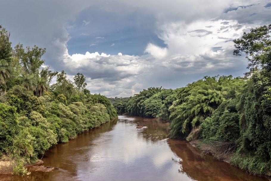 Rio com lama em Brumadinho