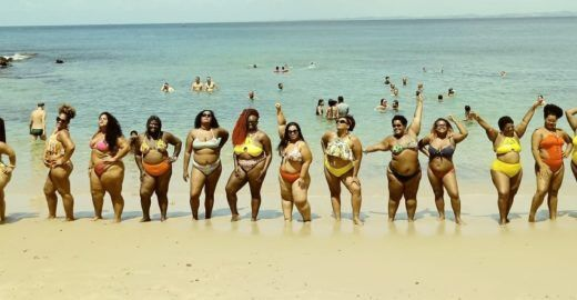 Na praia, mulheres se juntam em ato 'Vai Ter Gorda'