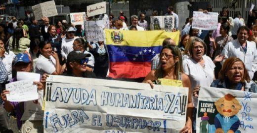 Caminhão com ajuda à Venezuela é incendiado na fronteira