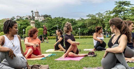 Praça Paris recebe aulão de Yoga grátis uma vez ao mês