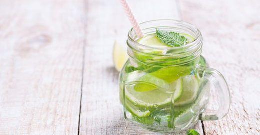 Água morna com limão emagrece?