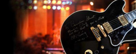 No Bourbon Street tem até uma guitarra que pertenceu ao mestre B.B. King