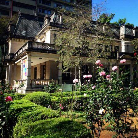 A Casa das Rosas é uma das últimas mansões remanescentes da Avenida Paulista