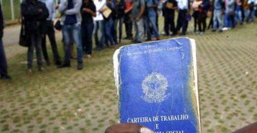 Bolsonaro culpa IBGE pela alta taxa de desemprego no país