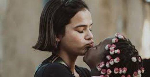 Dimenstein: os ataques canalhas à viagem de Bruna Marquezine