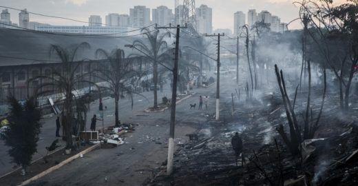 Aplaudir incêndio em favela comprova opção pela barbárie