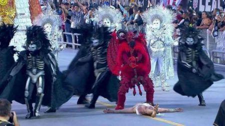 Satanás vence Jesus em desfile da Gaviões da Fiel