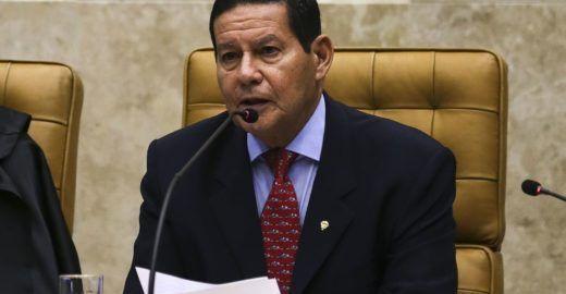 Mourão vai à China para desfazer imagem negativa de Bolsonaro