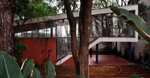 Casa Vilanova Artigas mistura natureza, cultura, café e coworking