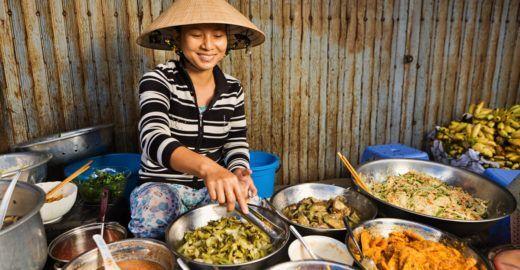 Já pensou viajar o mundo em busca de novas comidas ?