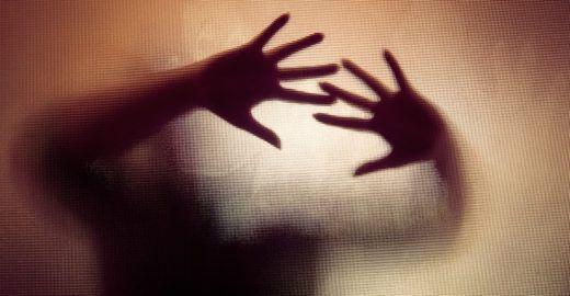 CE: Pai estuprava as filhas enquanto a mãe estava na igreja