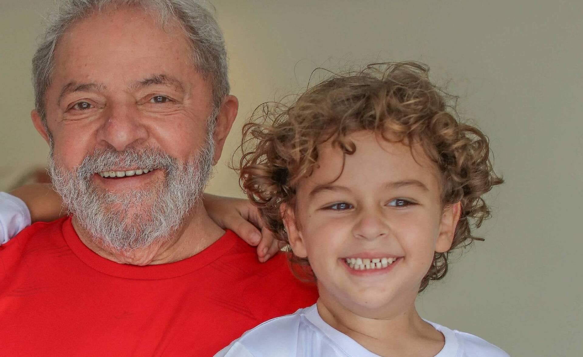 Lula com o neto