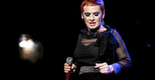 A italiana Mafalda Minnozzi faz novo show no Auditório Ibirapuera