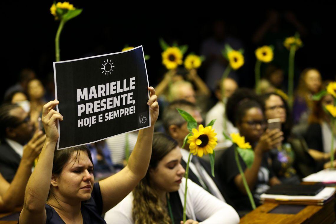 Câmara dos Deputados realiza sessão solene em memória e solidariedade à vereadora Marielle Franco