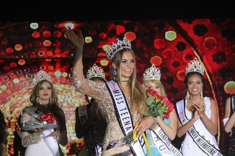 modelo durante o miss teenager