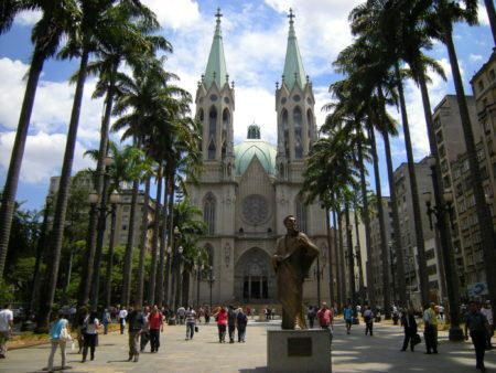 Praça da Sé foi eternizada em uma música de Adoniran Barbosa