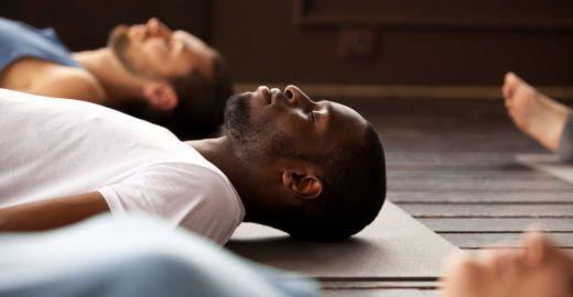 Técnica de relaxamento muscular ajuda a dormir tranquilamente