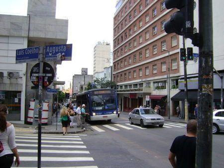 Rua Augusta apareceu em diversas músicas