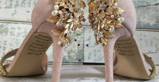 Mãe deixa mensagem póstuma para filha em sapato de casamento