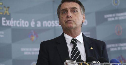 Bolsonaro pede trégua com a imprensa e dá o braço a torcer