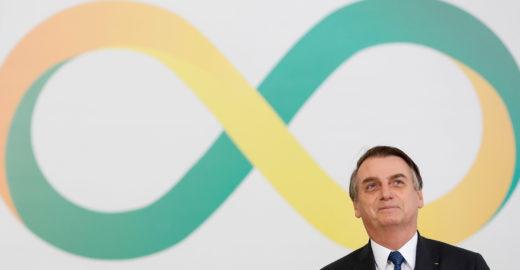 Impeachment de Bolsonaro vira tema de conversas em Brasília