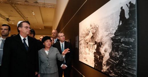 NYT questiona Bolsonaro sobre 'perdoar holocausto'