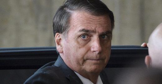 Para Bolsonaro, Brasil tem famílias e não pode ser 'do mundo gay'