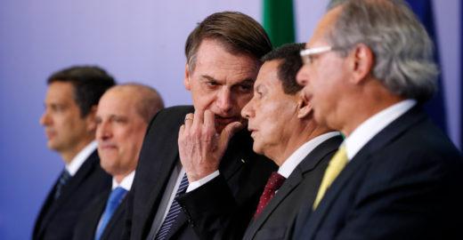 Bolsonaro sobre Mourão: 'O vice é sempre uma sombra'