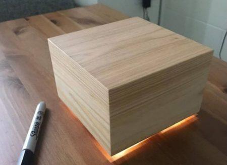 caixa com luzes