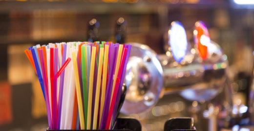 Câmara aprova a proibição de canudos de plástico em São Paulo