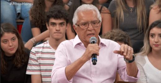 Carlos Aberto de Nóbrega critica golpe militar e bomba na web