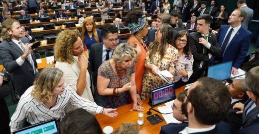 Reforma da Previdência: aliado de Bolsonaro joga a tolha