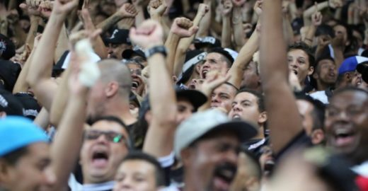 Corintianos juntos contra gritos homofóbicos na final do Paulista